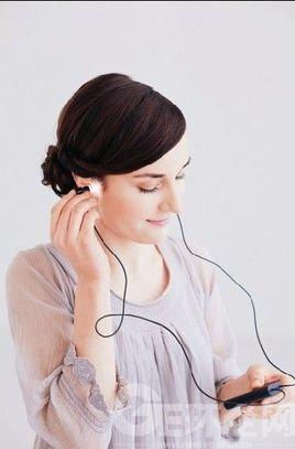 电影海报素材带耳机