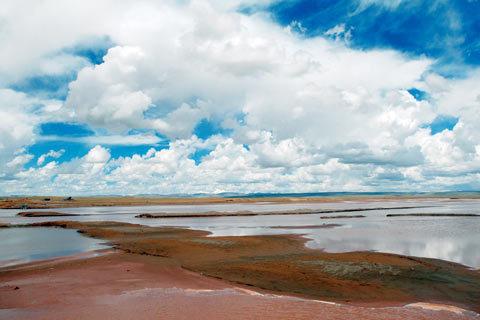 昆仑国家公园位于青海省,包括海西,海北,海南州以及三江源和可可西里