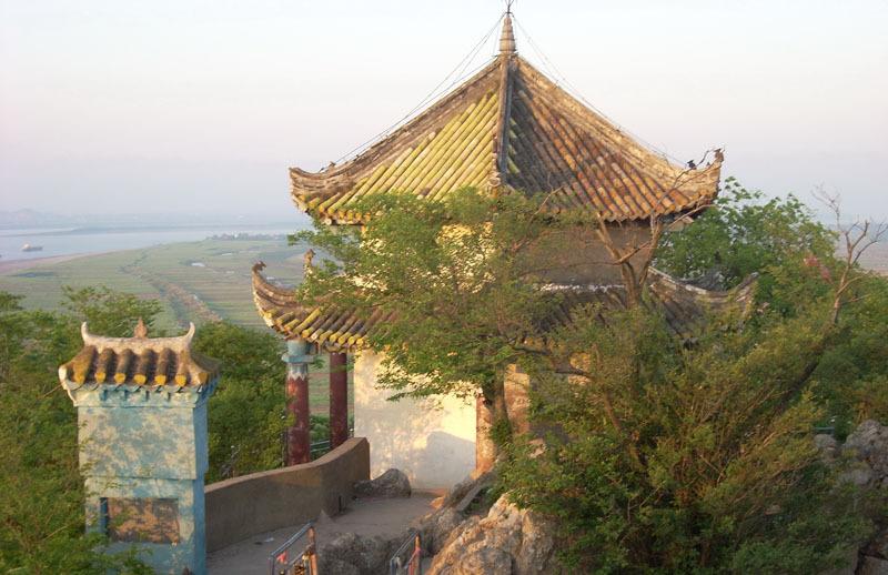 伊通满族自治县小孤山镇小孤山镇面积168.86平方千米.人口27640.
