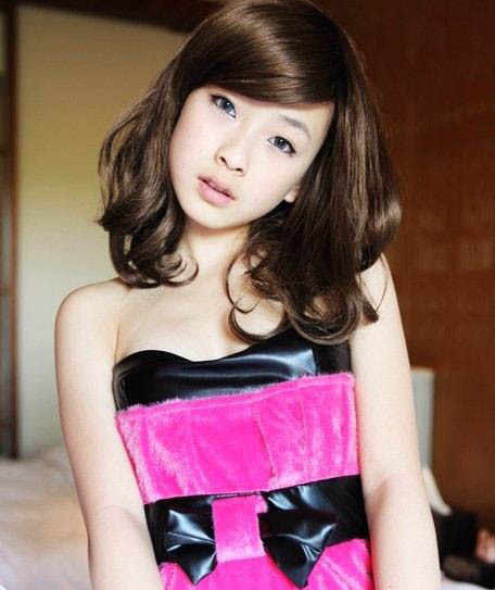 何曼婷,1992年7月23日出生于云南昆明