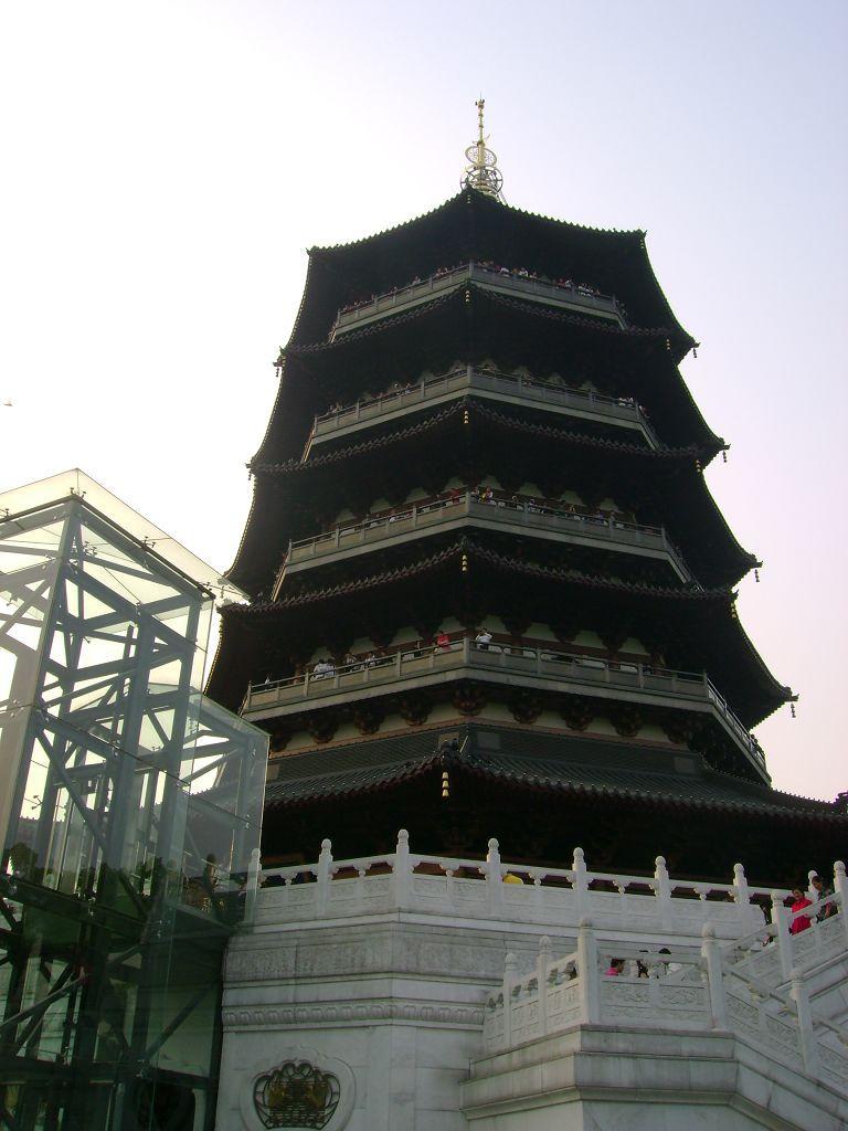 世界第一高铜塔