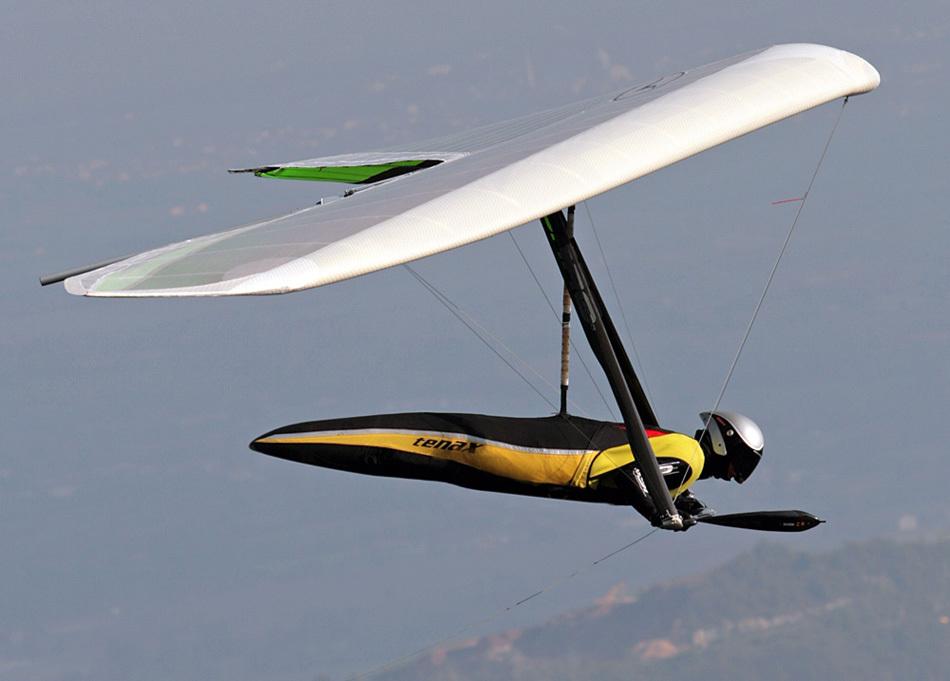 现代俄国飞机,如苏35,采用了三翼面布局